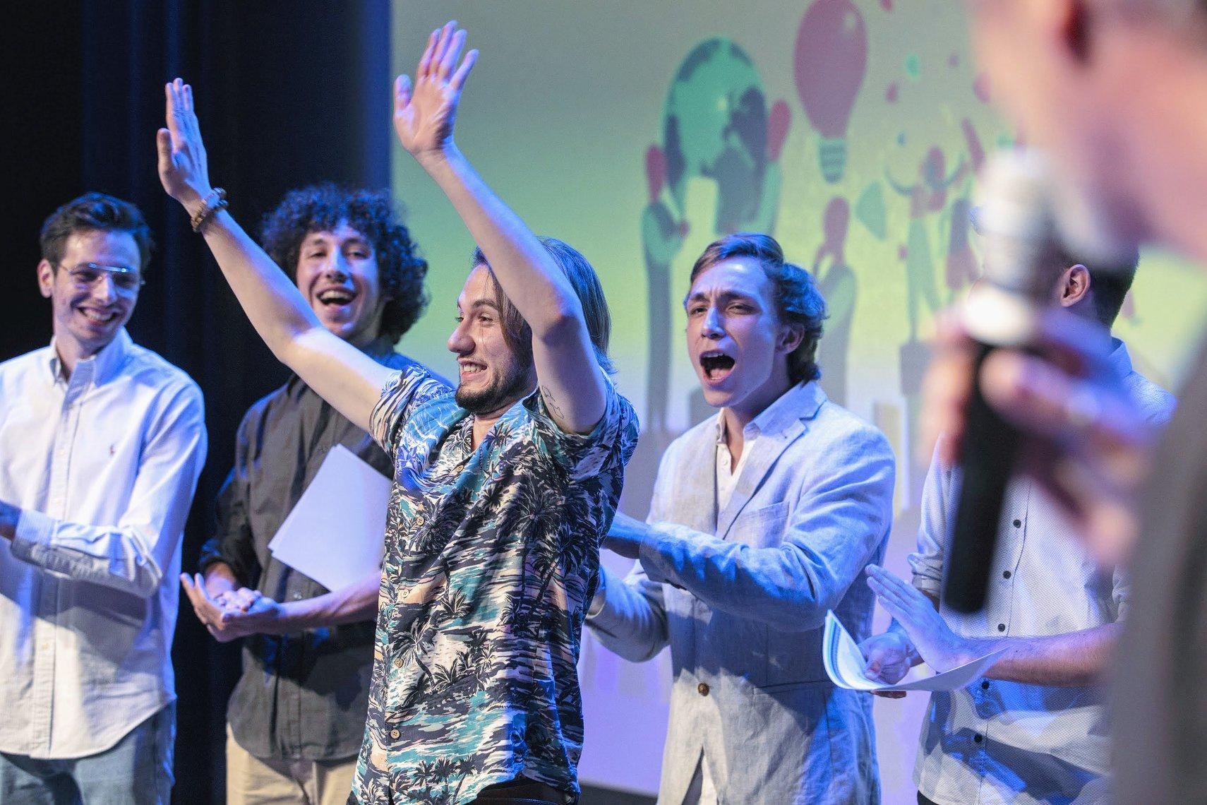{GRADUATION PARTY} Les diplômés félicités au Théâtre de l'Archipel